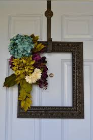 Picture Frame Wall by Best 25 Picture Frame Wreath Ideas On Pinterest Picture Frame