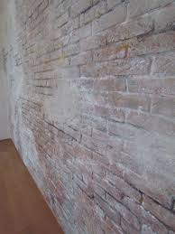 Putz Im Badezimmer Rauputz Im Schlafzimmer Wandgestaltung Auf Raufaser Chevron Gelb