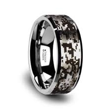 camouflage wedding rings camo rings camouflage wedding bands larson jewelers