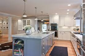 your guide to choosing the best island lighting for your kitchen
