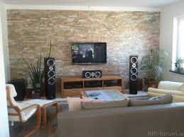 steinwand wohnzimmer beige beige wohnzimmerwand poipuview