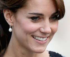 kate middleton earrings in pearls kate middleton s jewellery box how to dress