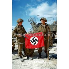 Germany Flag Ww2 Ww2 Picture Photo Canadian Troops Posing With A Captured German