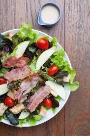 cuisiner la salade verte recette salade verte au bacon et à la tomate