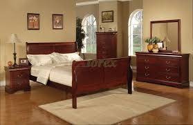 Cherry Wood Bedroom Furniture Semi Gloss Sleigh Like Bedroom Furniture Set 170 In Cherry Black White