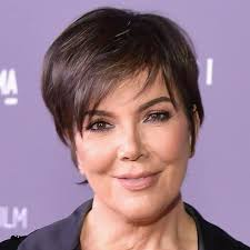 kris jenner hair colour kris jenner went blonde for 2018 and whoa brit co