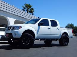 lifted nissan car 2016 used nissan frontier 2wd crew cab swb automatic desert runner