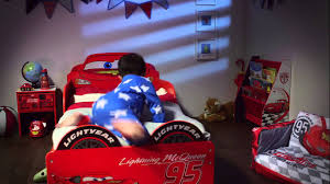 disney cars u0027lightning mcqueen u0027 snuggle time toddler bed opener