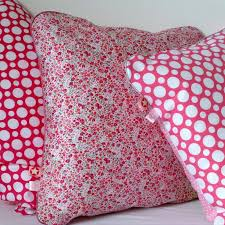 coussin chambre fille 13 best housse de coussin chambre fille images on throw