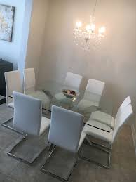 Black Dining Table White Chairs Best 25 Glass Dining Table Ideas On Pinterest Glass Dining Room