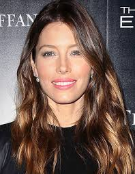 how to get beachy waves on shoulder lenght hair how to rock beach waves like these hollywood celebs bebeautiful