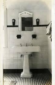 Vintage Bathroom Decor Ideas by 152 Best Vintage Bathrooms Images On Pinterest Room Dream