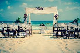 destination wedding 10 things you should never do at a destination wedding oyster