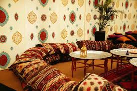 photo canapé marocain le canapé marocain du traditionnel au plus design