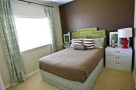 brown wall paint contemporary bedroom benjamin moore clinton