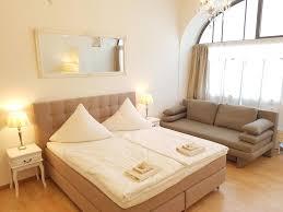 Schlafzimmerm El Berlin Ferienwohnung Lovely Flats
