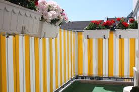 windschutz balkon stoff balkon sichtschutz mit balkonverkleidung balkonumrandung oder
