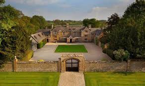 10 bedroom house dream 10 bedroom home with moat goes on sale in oxfordshire for