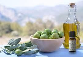 cuisine aux huiles essentielles 2 astuces avec le basilic exotique en cuisine et pour le tonus