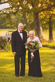 65 wedding anniversary elderly has anniversary photo shoot for 65th wedding