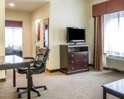 Comfort Inn And Suites Atlanta Airport Comfort Suites Atlanta Airport Hotel In Atlanta Ga Near Zoo Atlanta