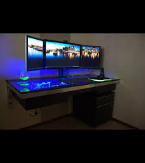 bureau pc intégré cet ordinateur est intégré dans un bureau