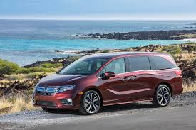 odyssey car reviews and news at carreview com 2018 honda odyssey boasts premium pricing lots of amenities