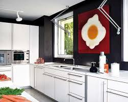 deco cuisine mur design interieur idee deco cuisine mur tableau abstrait oeuf