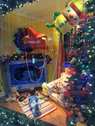 Christmas Window Decorations Chicago by Free Christmas Events In November Tomatoes For Cucumbers