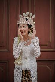 wedding dress designer indonesia rustic and vintage wedding at rasa restaurant rani chic kebaya
