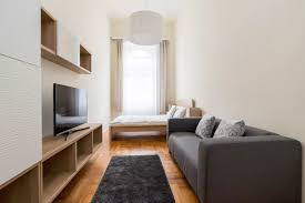 spacious 3 bedroom 2 bathroom apartment for 6 8 people in central