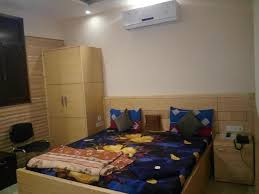 Latest Double Bed Designs In Kirti Nagar Low Budget Hotel For Corporate On Cheap Price In West Delhi