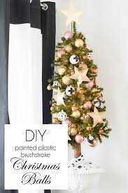 Plastic Christmas Ornaments To Decorate by Diy Brushstroke Painted Plastic Christmas Balls Cuckoo4design