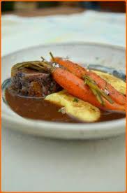 cuisiner une joue de boeuf recette joue de boeuf braisé au vin et carottes 750g