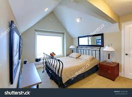 vaulted ceiling decorating ideas vaulted ceiling decorating ideas ghanko com