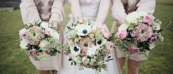 wedding flowers on a budget wedding online flowers wedding flowers budget seasonal shades