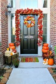 30 cozy thanksgiving front door décor ideas digsdigs
