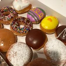 krispy kreme light hours krispy kreme order food online 424 photos 281 reviews donuts