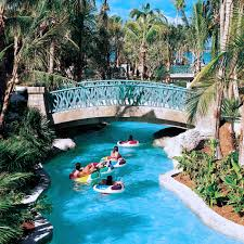 the lazy river aquaventure at atlantis paradise island