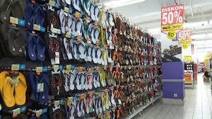 Jual Sandal Carvil Di Makassar sandal jepit diskon hingga 50 persen di hypermart mp tribun timur