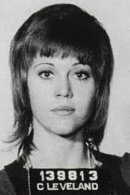 jane fonda 1970 s hairstyle miley cyrus brings back the baby bang actresses bangs and celebrity