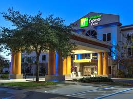 Rooms To Go Outlet Ocala Fl by Holiday Inn Express U0026 Suites Silver Springs Ocala Hotel By Ihg