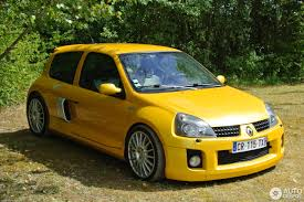 renault clio sport 2004 exotic car spots worldwide u0026 hourly updated u2022 autogespot