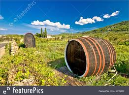 picture of wine barrels on stari grad plain