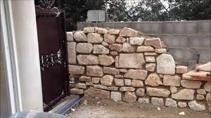 mur deco pierre murs en pierre avec niches cintrée jacuzzi première partie