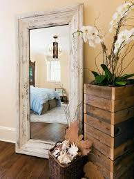miroir de chambre sur pied le miroir mural grande taille accessoire pratique et décoration