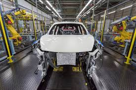 nissan qashqai wheel arch trim crossover coup nissan commits to uk manufacturing post brexit by