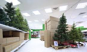 which is greener a real or artificial tree green