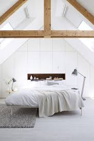 1000 images about stijl zolder verbouwing on pinterest have always liked the idea of an attic bedroom this light filled attic has been cleverly designed styled to become a beautiful modern bedroom