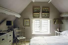 wohnzimmer mit dachschr ge wohnzimmer malen braun